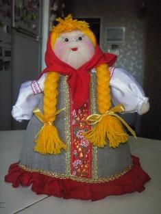 Вязаная кукла грелка на чайник своими руками 23